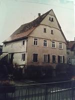 Straßengiebel, Ansicht gegen Südwesten (um 2002) / Ehem. Dreiseithof in 74078 Kirchhausen (02.03.2015 - B. Lohrum)