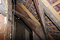 1.DG. Querbund mit liegendem Stuhl. Aussteifung mit verblattetem, mehrfach abgestuftem Kopfband. / Wohnhaus in 88682 Salem-Neufrach (05.06.2015)
