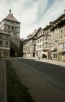 Stadtseite von Osten (1955) / Schwarzes Tor in 78628 Rottweil (1955 - Foto Marburg, Aufnahme-Nr. LAC 43.481)