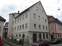 Ansicht des Gebäudes von Nordosten (2012) / Wohnhaus in 73525 Schwäbisch Gmünd (17.07.2012 - Markus Numberger, Esslingen)