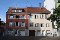 Fassade Bodanplatz, links Nr. 16, rechts Nr. 14. / Wohnhäuser Bodanplatz 14 und 16 in 78462 Konstanz (28.08.2015 - winterfuchs)