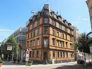 Ansicht des ehemaligen Gasthauses Falken von Südwesten (2011) / Gasthaus Falken in 73728 Esslingen, Esslingen am Neckar (19.07.2011 - Markus Numberger, Esslingen)
