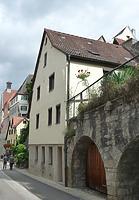 Ansicht von Süden / Wohnhaus und Arkaden in 74354 Besigheim (29.07.2016 - M. Haußmann)