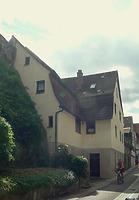 Ansicht von Nordwest / Wohnhaus und Arkaden in 74354 Besigheim (29.07.2016 - M. Haußmann)