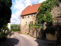 Ansicht von Osten / Steinhaus, Torhaus, jetzt Wohnhaus in 74354 Besigheim (12.07.2007 - Denkmalpflegerischer Werteplan, Gesamtanlage Besigheim, Regierungspräsidium Stuttgart)