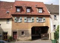 Bühl 9/2  Hofeinfart  / Wohnhaus und Scheuer in 74354 Besigheim (Denkmalpflegerischer Werteplan,  Gesamtanlage Besigheim  Regierungspräsidium Stuttgart)