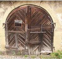 Kellertüre vor der Restaurierung / Stadtarchiv (ehemalige Scheune) in 74354 Besigheim (Denkmalpflegerischer Werteplan,  Gesamtanlage Besigheim  Regierungspräsidium Stuttgart)