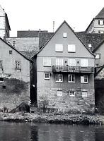 Enzseite Gebäude hinter Hauptsrasse 7 erbaut 1958 / Wohn- und Geschäftshaus in 74354 Besigheim (Stadtarchiv Besigheim)