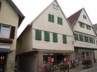 Ansicht von Westen / Wohnhaus mit Ladengeschäft in 74354 Besigheim (Denkmalpflegerischer Werteplan, Gesamtanlage Besigheim, Regierungspräsidium Stuttgart)