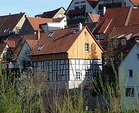 Fachwerkscheuer 11/1; Ansicht von Süden zum Wohnhaus umgebaut / Wohnhaus mit Scheune in 74354 Besigheim (2017 - M. Haußmann)