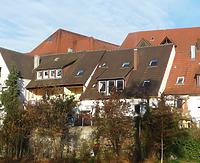 Das linke Gebäude. Ansicht von der Enz - von Westen. / Wohnhaus, vormals Scheune in 74354 Besigheim (2016 - M. Haußmann)