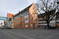 Gewerbebank (im Hintergrund: Ehinger Stadel, Zwischenbau, Kiechelhaus und Renaissancehof) / Ulmer Museum in 89073 Ulm