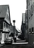 Blick von der Stadtmauer nach Osten um 1950 / Schulbrunnengasse in 74354 Besigheim (Stadtarchiv Besigheim)