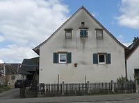 Straßenansicht / Wohnstall-Speicherbau in 79111 Freiburg-St. Georgen (Burghard Lohrum)