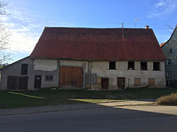 Frontansicht / Wohnhaus und Scheune (Eindachhaus) in 78606 Seitingen-Oberflacht (Ulrich Zepf)