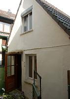 Blick auf die Südseite mit dem giebelbekrönten modernen südseitigen Anbau. / Wohnhaus in 77761 Schiltach (Stefan Uhl)