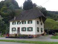 Straßenansicht / Wohnhaus in 79244 Münstertal, Krummlinden (2019 - Burghard Lohrum)