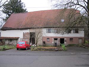 Ansicht des Wohn-Stall-Teils des Einhauses von Nordwesten (2010)  / Wohnhaus in 73269 Hochdorf (23.11.2011 - Markus Numberger, Esslingen am Neckar)