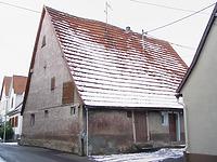 Ansicht von Südosten.  / Wohnhaus in 72660 Beuren (31.12.2005 - Foto: Tilmann Marstaller )