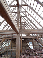 Blick in die innere Konstruktion der Scheune mit Unterfirstgerüst im 2. DG / Doppelscheune in 70794 Filderstadt, Bonlanden (Foto: Tilmann Marstaller)