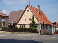 Ansicht von Süden.  / Wohnhaus in 70794 Filderstadt, Plattenhardt (03.08.2004 - Foto: Tilmann Marstaller)