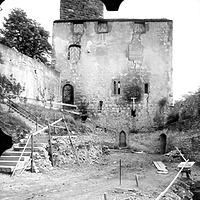 """Ausschnitt Photogrammetrische Aufnahme  (1976) / Burg Katzenstein, Romanisches Steinhaus (""""Palas"""") in 89561 Dischingen-Katzenstein (02.07.1976 - Regierungspräsidium Stuttgart RPS, LAD (Ref. 112, Stiene, A.))"""