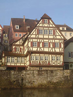 Bild aus dem April 2007. Foto: Daniel Stihler (StadtA SHA Server Häuserlexikon) / Fachwerkhaus in 74523 Schwäbisch Hall