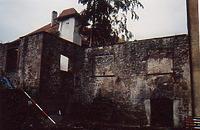 Ostflügel außen, links: bebauter Bergfriedstumpf, von NO. / Schloss Neuenbürg in 75305 Neuenbürg