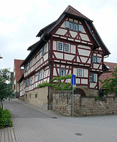 Fachwerkhaus, Ansicht von Nordosten, Urheber: Regierungspräsidium Karlsruhe, RPK, Ref. 26 / Fachwerkhaus in 76698 Ubstadt-Weiher-Zeutern