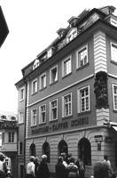 Café Scheu, Wohn- und Geschäftshaus, Ansicht von Westen, Urheber: Regierungspräsidium Karlsruhe, RPK, Ref. 26 / Café Scheu, Wohn- und Geschäftshaus in 69117 Heidelberg-Altstadt (24.08.2009)