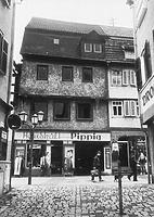 Mosbach, Hauptstraße 26, Wohnhaus, aufgen. 05/1985 Quelle: Bildarchiv Foto Marburg / Wohn- und Geschäftshaus in 74821 Mosbach