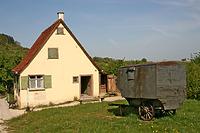 Tagelöhnerhaus im FLM Beuren, Giebelseite / Tagelöhnerhaus aus Weidenstetten in 89197 Weidenstetten (http://www.freilichtmuseum-beuren.de/museum/rundgang/tageloehnerhaus-aus-weidenstetten/)
