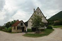 Ansicht Giebelseite mit Backhaus aus Esslingen / Dosterhaus, Wohnstallhaus mit Scheuer aus Beuren in 72660 Beuren (18.08.2011 - Becker_priv)