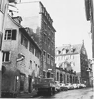 Südflanke der Münzgasse Ecke Tirolergasse vor ihrem Abbruch (um 1960) / Wohnhaus in 78426 Konstanz (13.11.1960 - Bildindex Foto Marburg (B 639/ 5))