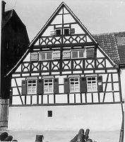 Straßengiebel (1953) / Fachwerkhaus in 75417 Mühlhausen, Mühlhausen an der Enz (01.01.1953 - Bildindex Foto Marburg; Neg.Nr. LDA Karlsruhe (ohne Nr.; Fremdfoto))