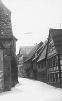 Blick in die Maulbronnerstraße 1-9 (1973) / Wohnhaus in 75443 Ötisheim (16.12.1973 - Bildindex Foto Marburg, Neg. Nr.: LDA Karlsruhe 1526/35 a)