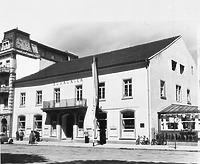 Verlagshaus des Südkuriers mit Resten des ehem. Spitals zum Hl. Geist in der Halle (um 1950) / Ehem. Heiliggeistspital, ehem. Gasthaus Krone in 78642 Konstanz (01.01.1950 - Bildindex Foto Marburg (B 717/5))