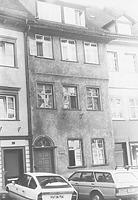 Straßenfassade vor der Restaurierung (1984) / Wohnhaus in 88212 Ravensburg (Neg. Nr. LDA Tübingen 52393; Bildindex Foto Marburg)