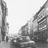 Blick in die Herrenstraße um 1970/1980 / Wohnhaus in 88212 Ravensburg (Bildindex Foto Marburg, Neg. Nr. LDA Tübingen 28230 (6x6))