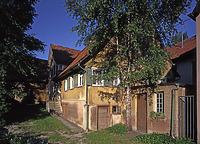 Ansicht (1994) / Wohn- und Wirtschaftsgebäude in 72660 Beuren (17.05.1994 - Aufnahme-Nr. rhvog049 [Bildindex Foto Marburg])