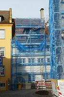 Eingehüllte Südfassade des Pfründnerhauses (2011) / Rathaus in 88709  Meersburg (09.12.2011 - strebewerk (Stuttgart))