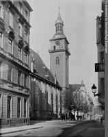 Südseite von Südwesten (vor 1944) / Hospitalkirche in 70174  Stuttgart, Stuttgart-Mitte (Bildindex Foto Marburg: LAD Baden-Württemberg, Stuttgart; Aufnahme-Nr. ladbw-22273-9x12)