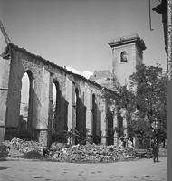 Südseite von Südwesten (nach1944) / Hospitalkirche in 70174  Stuttgart, Stuttgart-Mitte (Bildindex Foto Marburg: LAD Baden-Württemberg, Stuttgart; Aufnahme-Nr. ladbw-09652b-9x12)