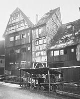 """Gebäude links, um 1930 / Wohnhaus in 89073 Ulm (01.01.1930 - Foto Marburg, Aufnahme-Nr. 60.554;; Aufn.-Datum: um 1930; Fotoinhalt: von Nordosten, links Nr. 15 """"das Städele"""")"""
