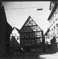 Ansicht Südgiebel (1973) / Sog. Kleinfelderhaus in 88605 Meßkirch (Bildindex Foto Marburg: LAD BW/Tübingen, Microfiche-Scan mi07296g04)