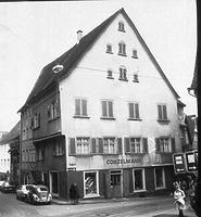 Ansicht Südgiebel (1973) / Wohnhaus (Vorderhaus) in 88605 Meßkirch (Bildindex Foto Marburg: LAD Baden-Württemberg, Außenstelle Tübingen, Microfiche-Scan mi07296g01)