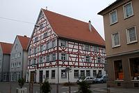 """Südostgiebel und nordöstl. Traufseite / Heimatmuseum, ehem. """"Alte Post"""" in 88512 Mengen (08.11.2011 - A. Kuch)"""