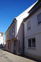 Wohn- und Geschäftshaus, Hauptstraße 71, Südwestansicht Holzgasse / Wohnhaus in 89584 Ehingen, Ehingen (Donau) (15.02.2019 - Christin Aghegian-Rampf)