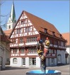 "ehem. Gasthof ""Zum Raben"" in 88348 Saulgau (18.04.2003 - http://www.bad-saulgau.de/portale/stadtrundgang.htm, letzter Zugriff 28.11.2014)"